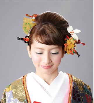 簪を使ったヘアスタイル
