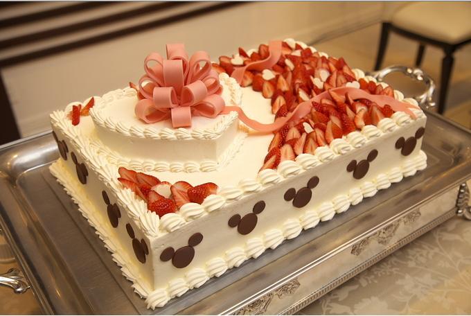 ゲストも喜ぶウェディングケーキのデザイン40選
