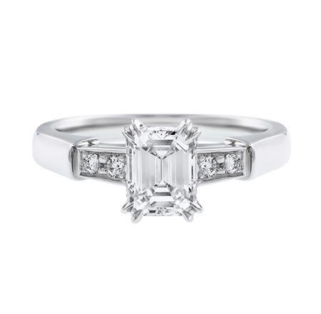 Tryst, Emerald-Cut Diamond Engagement Ring (エメラルドカット・トリスト・リング)