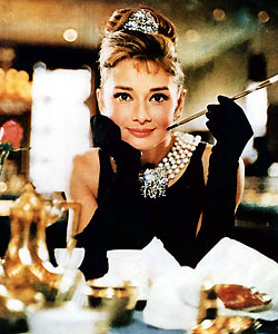 audrey-hepburn-breakfast-at-tiffanys_1992