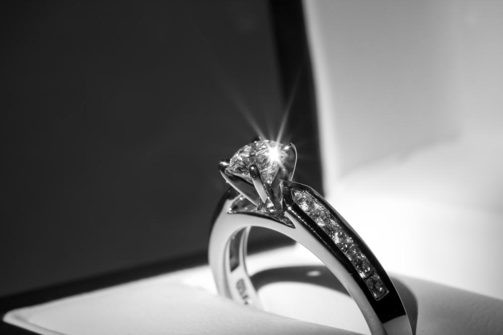 婚約指輪のダイヤの4Cとは?
