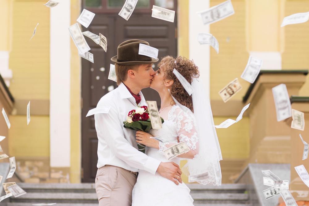 結婚式での持ち込み料はどのくらい?