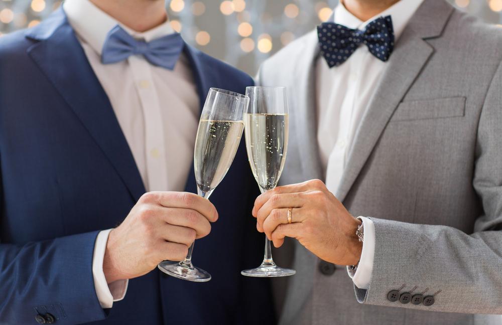 お呼ばれ結婚式でのネクタイの選びのポイントとは?