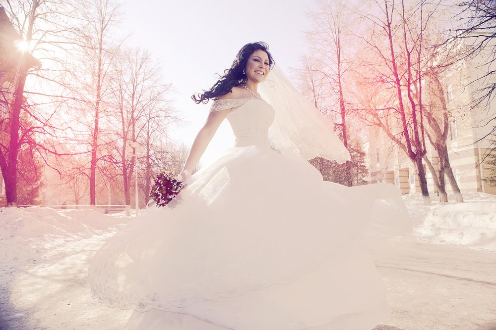 銀世界の中でのウェディングドレス姿