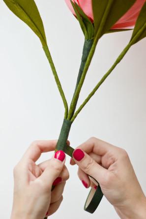 DIY-Crepe-Paper-Roses27-297x445