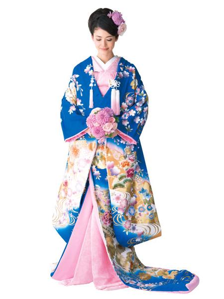 (3)鮮やかなブルーに小さな花やゴールドを効かせた色打掛
