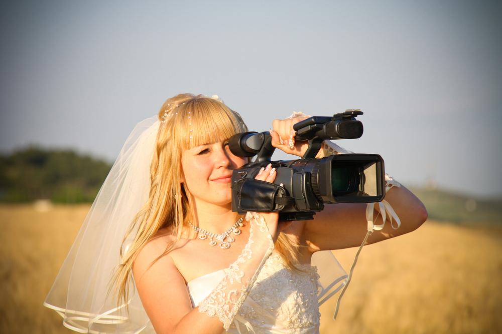 結婚式でのプロフィールビデオとは?