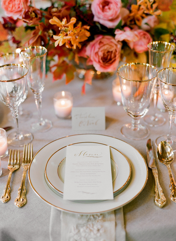 elegant-fall-wedding-place-setting-table-menu-gold
