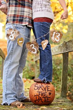 20-Fall-Save-The-Date-Ideas-For-Your-Autumn-Wedding-2