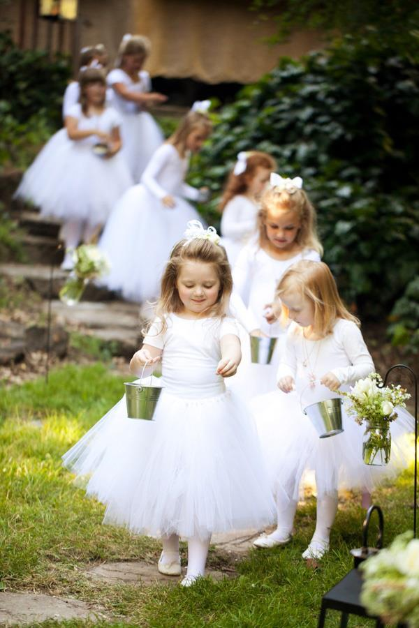 EXTRA-TOUCH-FOR-WEDDING-FLOWER-GIRL-1