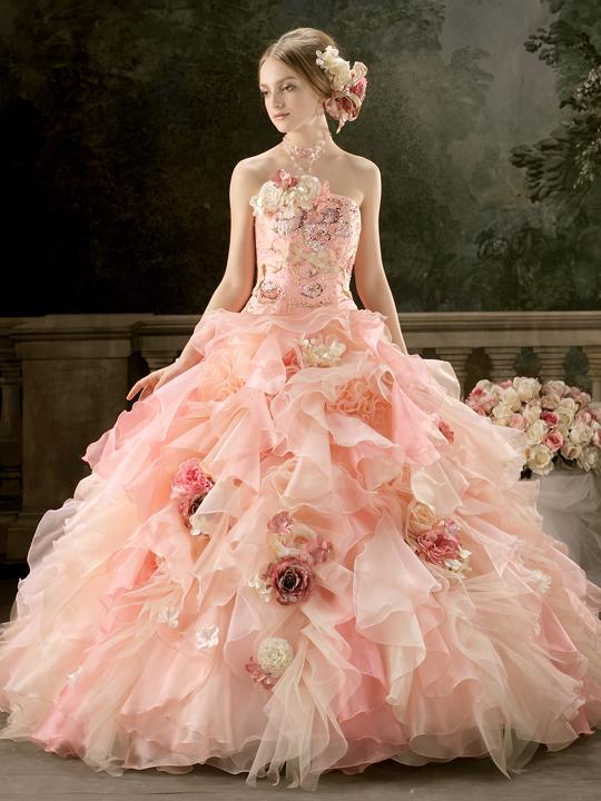 (1)可愛く見せたい花嫁にはレッド&ピンク系がおすすめ
