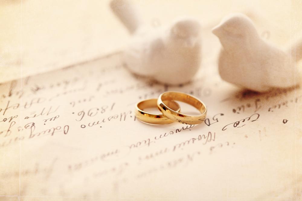 結婚指輪をつける指とは?