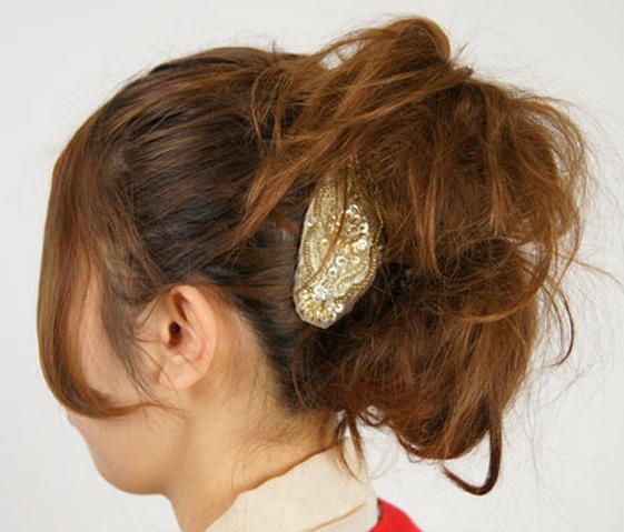 二つのまとめ髪から作るアップスタイル