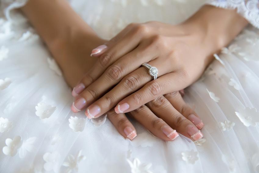 ウェディングネイル|花嫁が輝くネイルのデザイン厳選30選