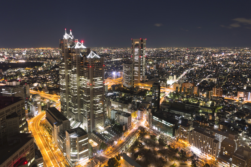 大都会新宿高層ビル街と東京心の街並