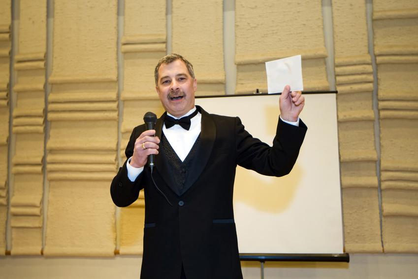 感動を呼ぶ結婚式の祝辞 スピーチ の原稿を作成するための9つの手順