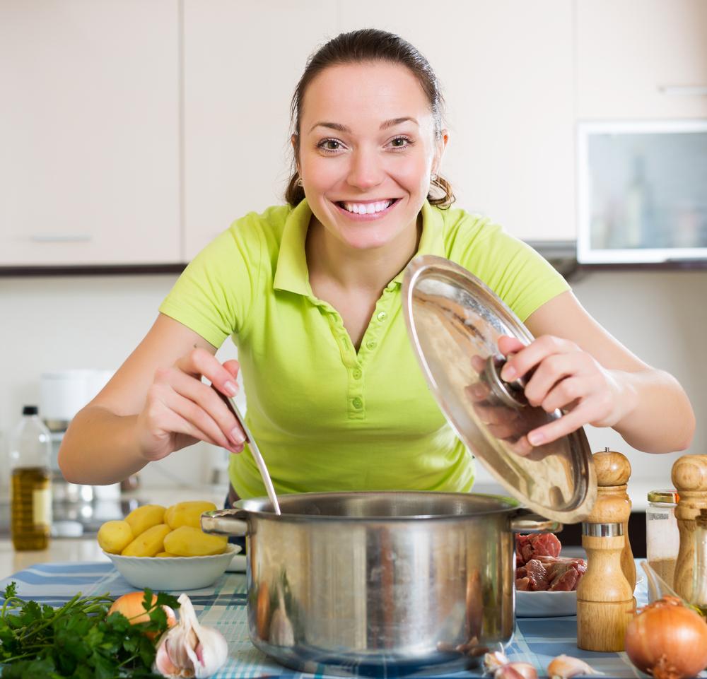 SNSのタイムラインに手料理の写真をアップする