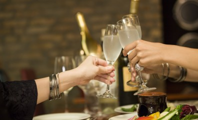 Women to toast with champagne