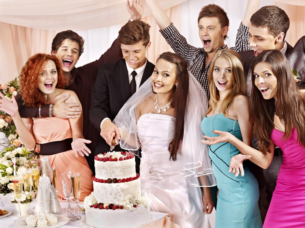 結婚式のワンピースを選ぶ前にまずはマナーをおさえる!結婚式の服装のマナーとしておさえたい4つのポイント