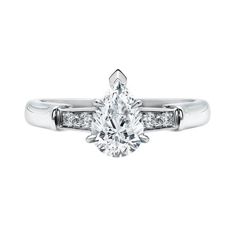 Tryst, Pear-Shaped Diamond Engagement Ring (ペアシェイプ・トリスト・リング)