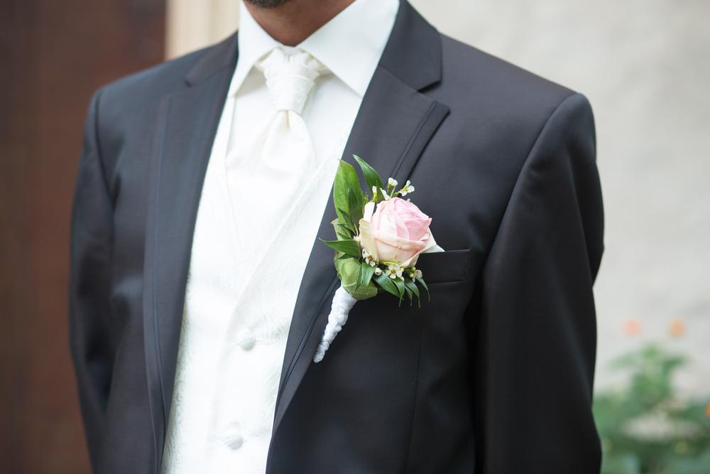お呼ばれ結婚式でのネクタイのマナーとは?