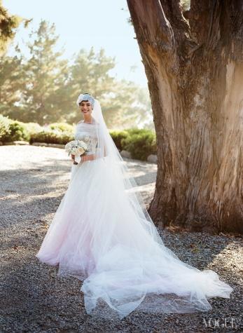 Anne-Hathaway-Wedding-Dress-via-vogue