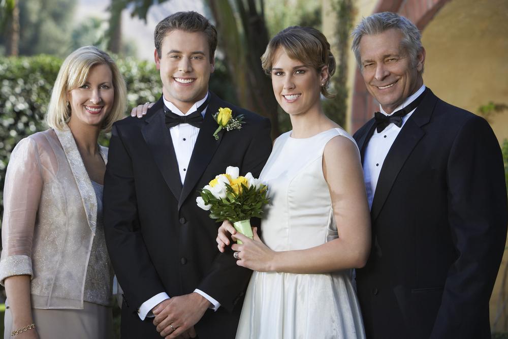 知っておきたい!結婚式での親族の服装マナーについて徹底解説!