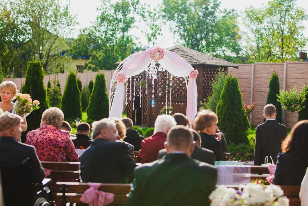 結婚式に招待したいゲストをリストアップ!ゲストのカテゴリーは?