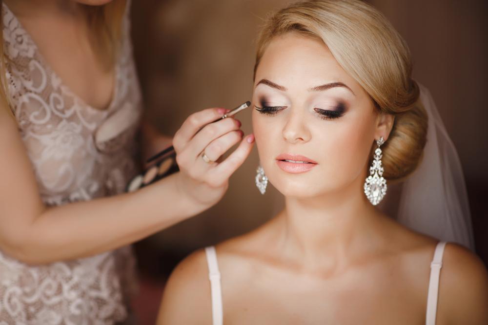 結婚式でのヘアメイク選びの重要性