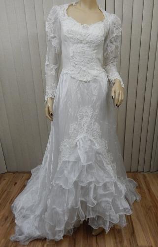 ロング+パフスリーブのドレス