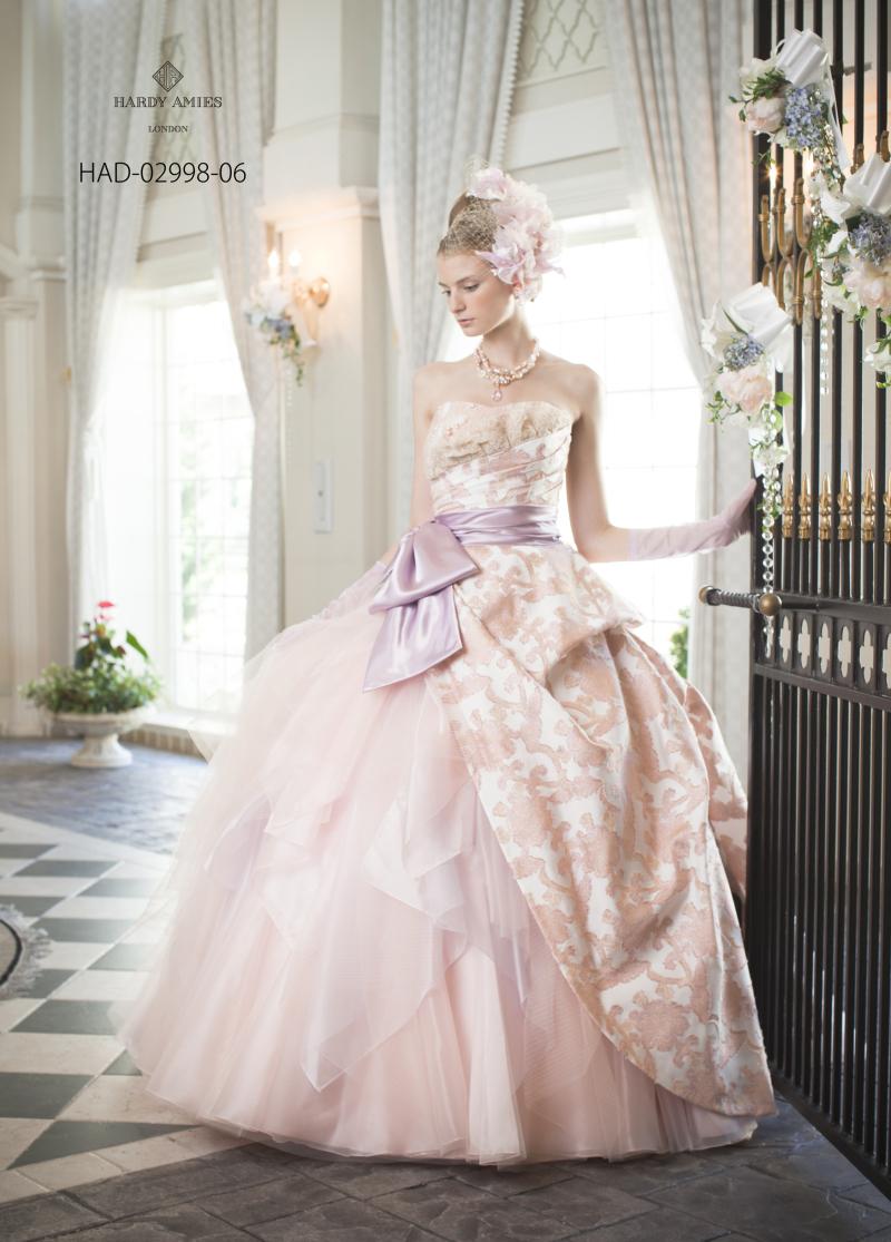 やっぱり文句なしに可愛い!定番カラーのピンクのドレス