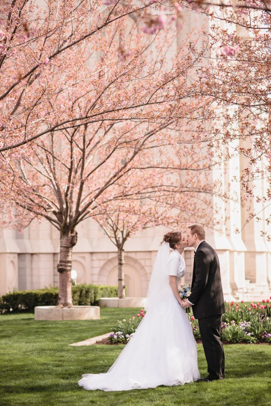 cherry-blossom-wedding-portrait-Tiana-Simpson-photoraphy-550x825