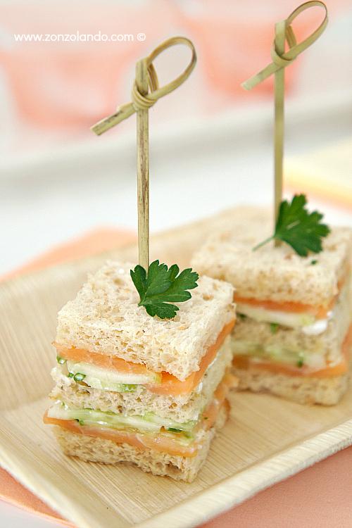 Tramezzini Stuzzichini aperitivo salmone e cetrioli zonzolando 01