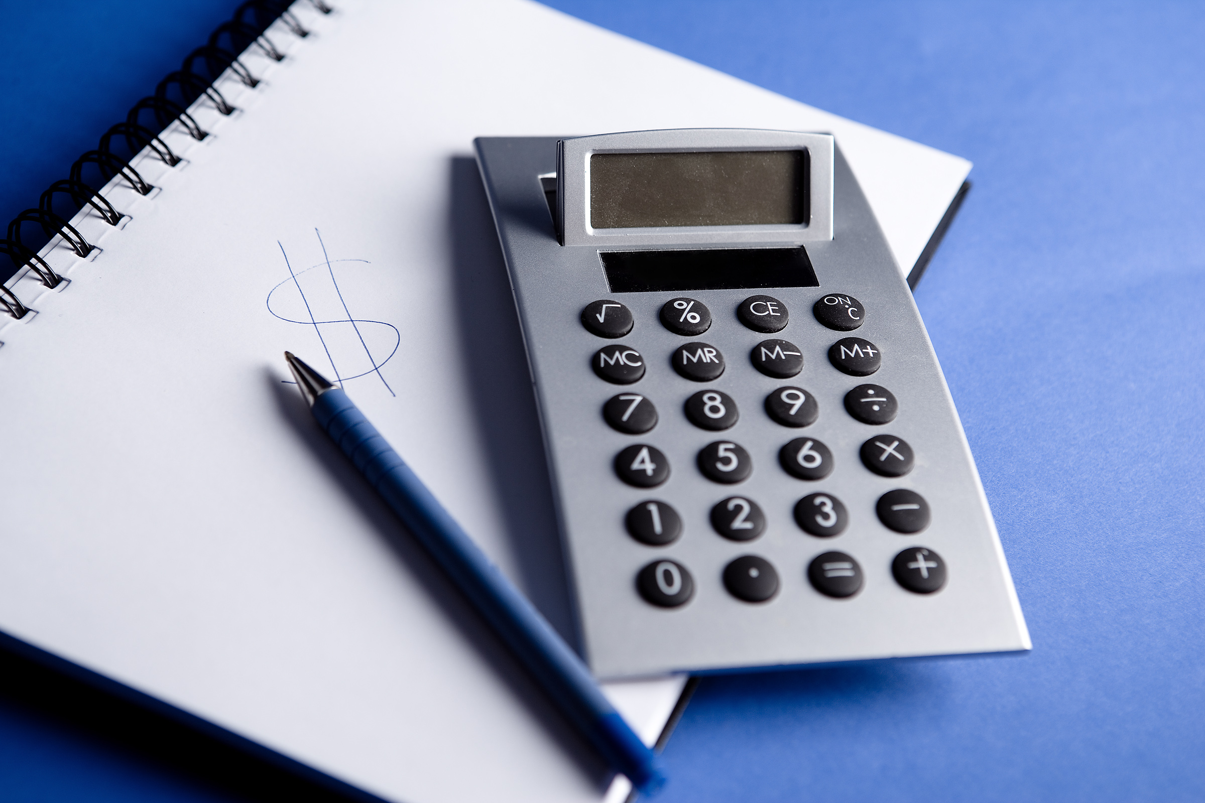 calculator-on-notepad-2