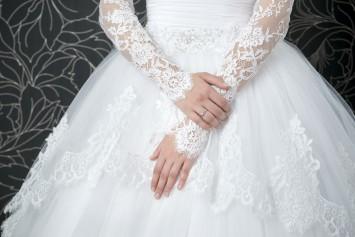 長袖ウェディングドレス