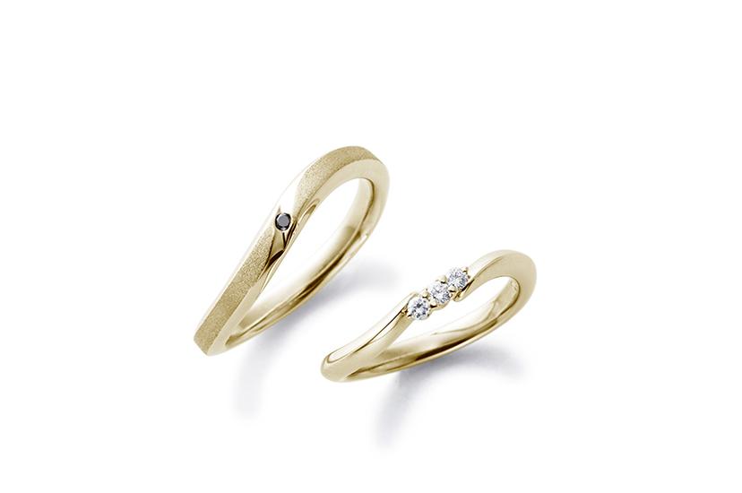エクセルコダイヤモンドのイエローゴールド結婚指輪5