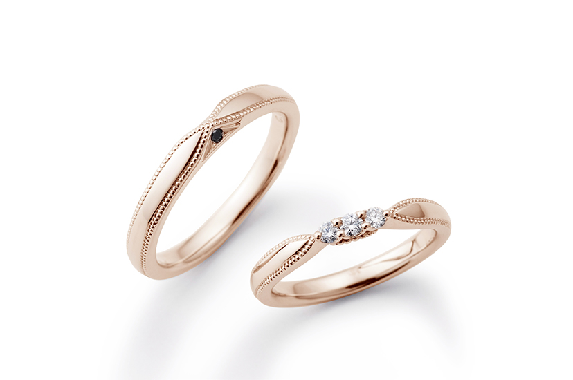 エクセルコダイヤモンドのピンクゴールド結婚指輪1