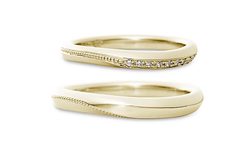 エクセルコダイヤモンドのイエローゴールド結婚指輪1