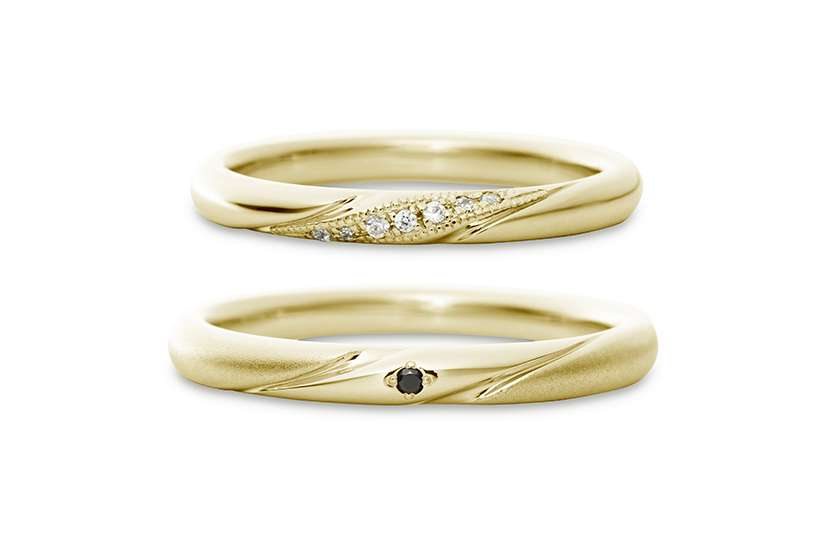 エクセルコダイヤモンドのイエローゴールド結婚指輪2