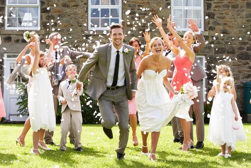 bride-groom-with-bridesmaids