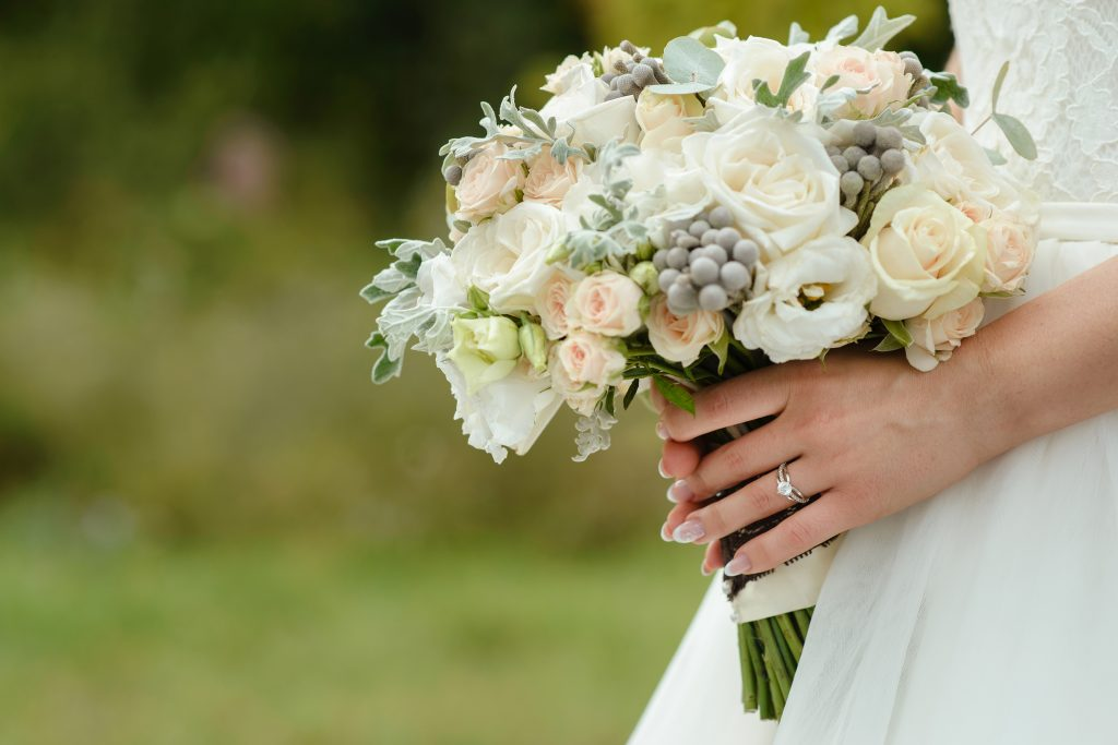 徹底調査!婚約指輪のダイヤモンドは何カラットが平均?