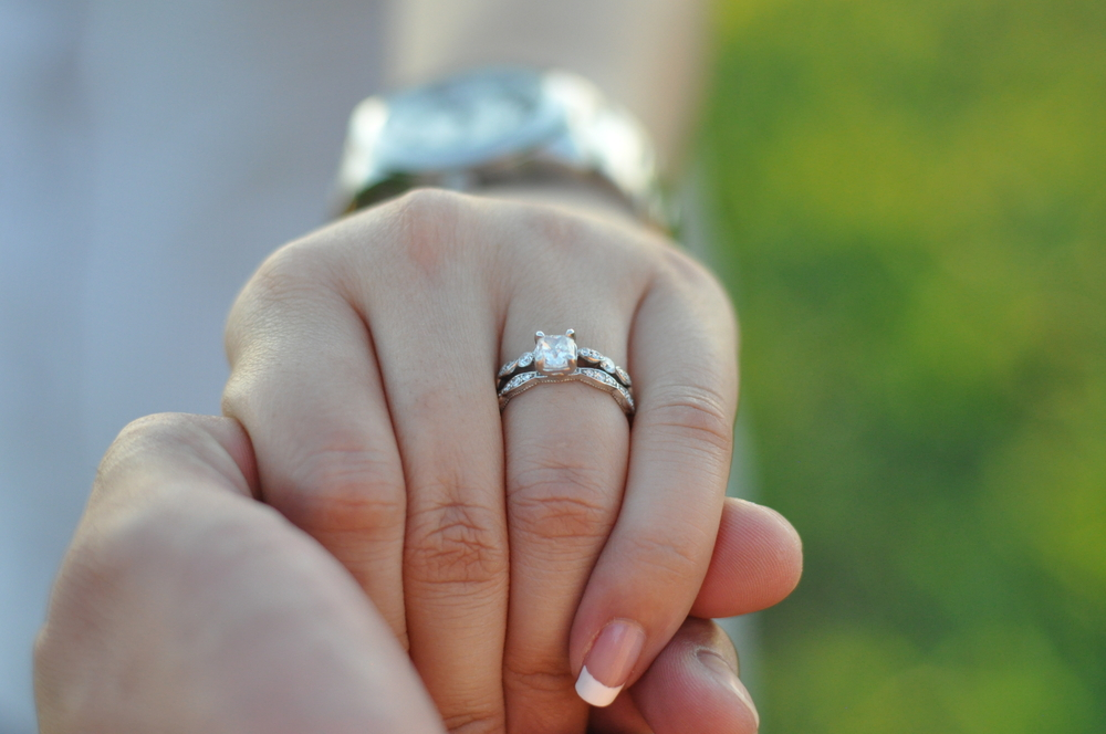 best authentic 4a3a8 9a6ae 女性の憧れ!ティファニーの婚約指輪購入の前に知っておきたい7 ...
