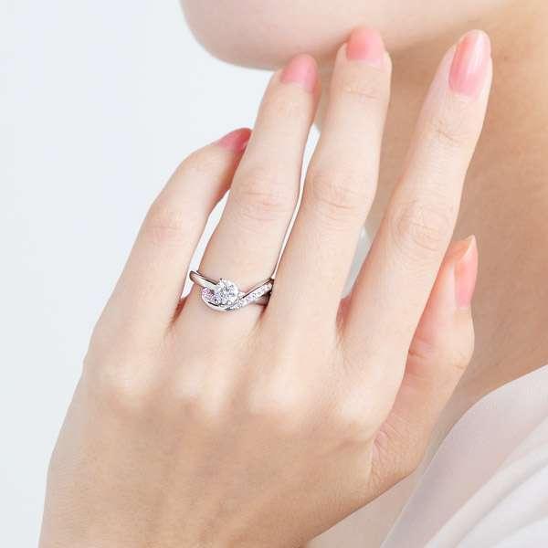 PT900 クレ・ド・ソル ダイヤモンド ピンクダイヤモンド サイドストーン リング エングレーブ 0.5ct指