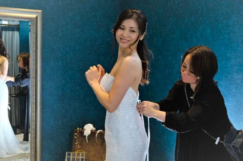 ドレス着用中の写真